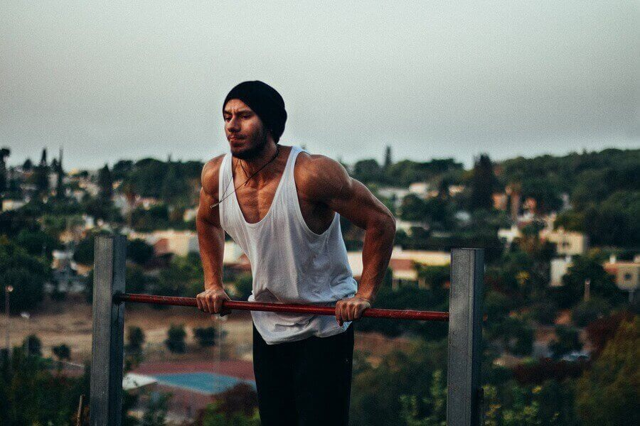 guy street workout
