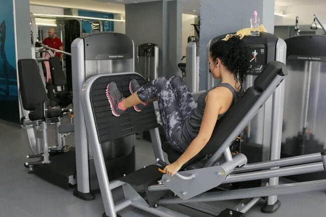 squat on machine
